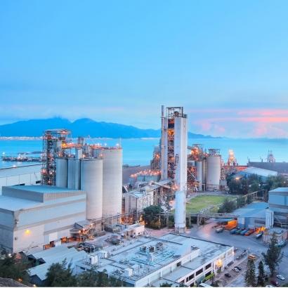 主要商品:鋼鐵製品,包括熱軋鋼捲、線材、小鋼胚、扁鋼胚、焦炭等產品。